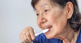 elderly-oral-health-1-of-1-780x439