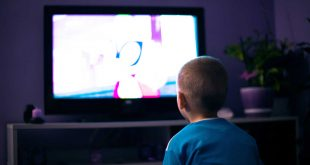 Television watching habits may influence oral health study finds